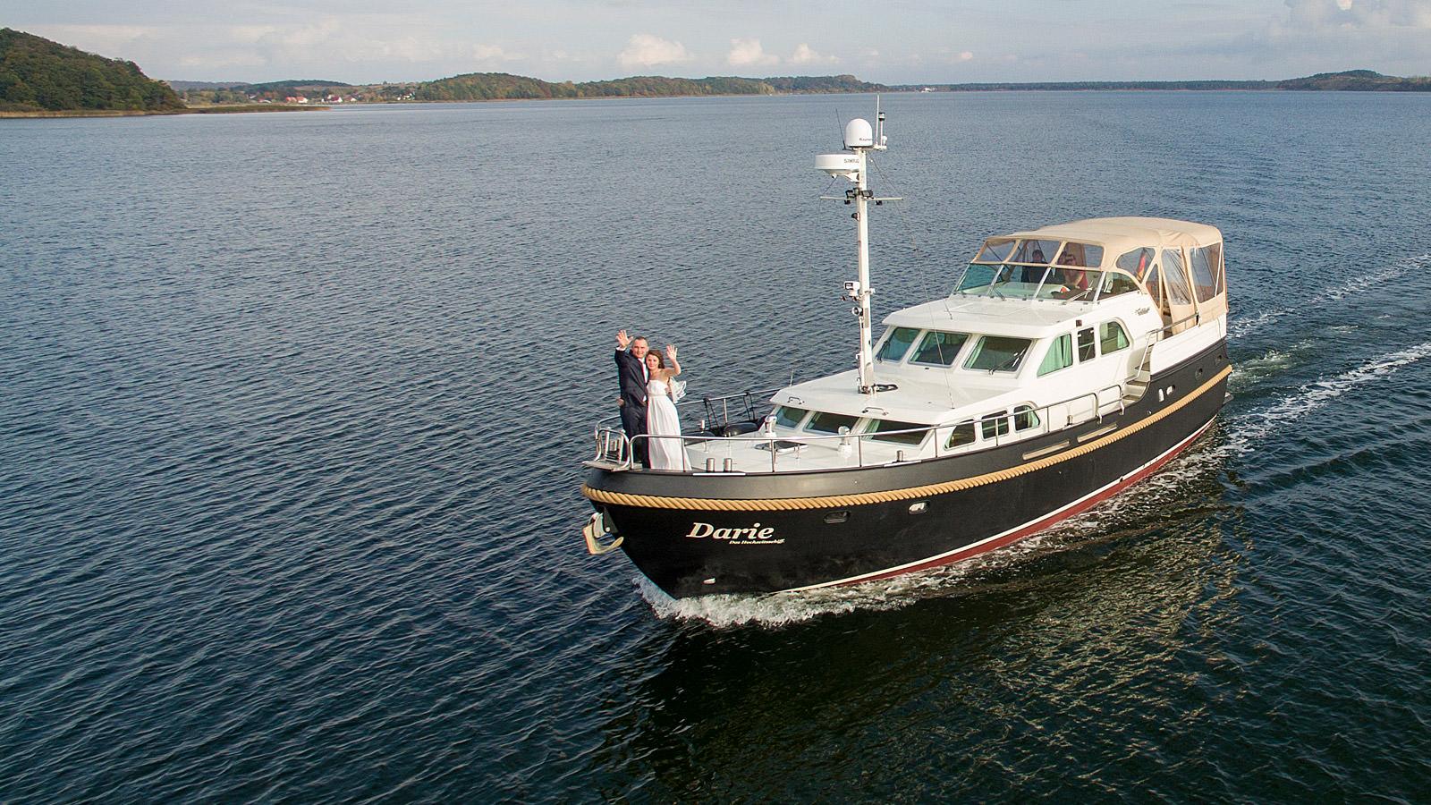 Heiraten auf Rügen auf dem Hochzeitsschiff Darie im Ostseebad Sellin